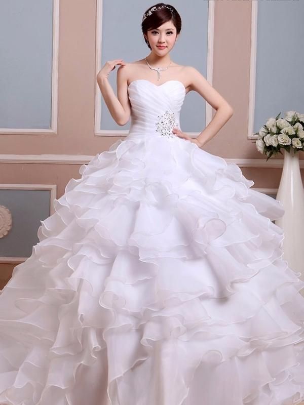 4ff21c181c nagy fodros aljú esküvői ruha webshop ár: 69.900 Ft
