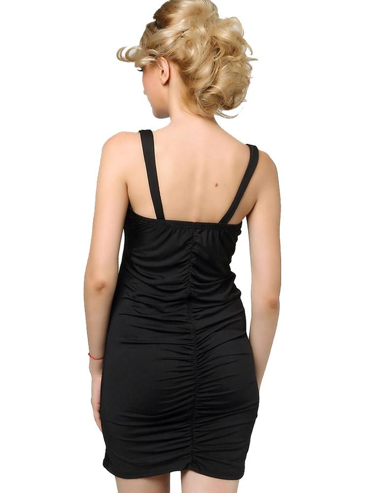 8ce425d001 dzsörzé kis fekete koktélruha webshop ár: 5.990 Ft